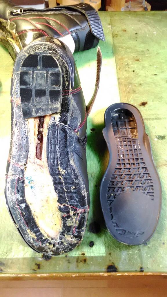 バイク・オートバイ用ブーツの靴修理1