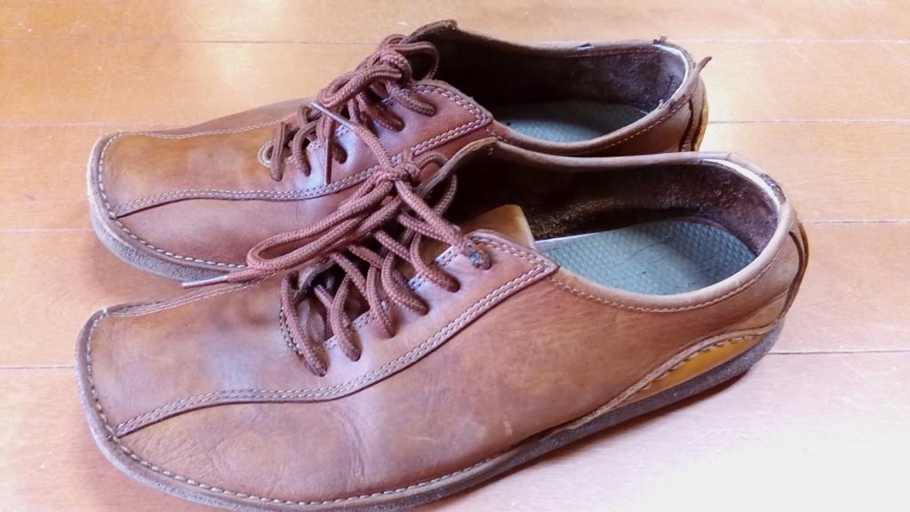 クラークスの靴の履き口補修の靴修理