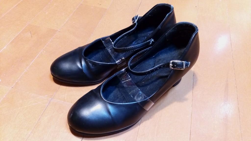 ダンスシューズのベルトの破れ補修の靴修理
