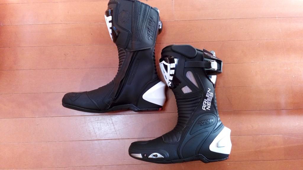 バイク・オートバイ用ブーツのストレッチの靴修理