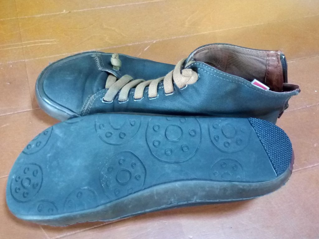 CAMPERの靴修理1