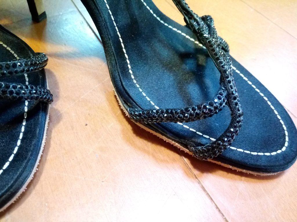 靴修理品167:レディースハイヒールサンダルのゴム半張り&ベルトはずれの補修の靴修理