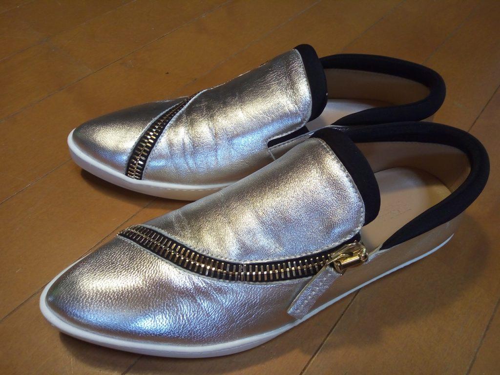靴修理品168:レディース・スニーカーのアッパー補修の靴修理
