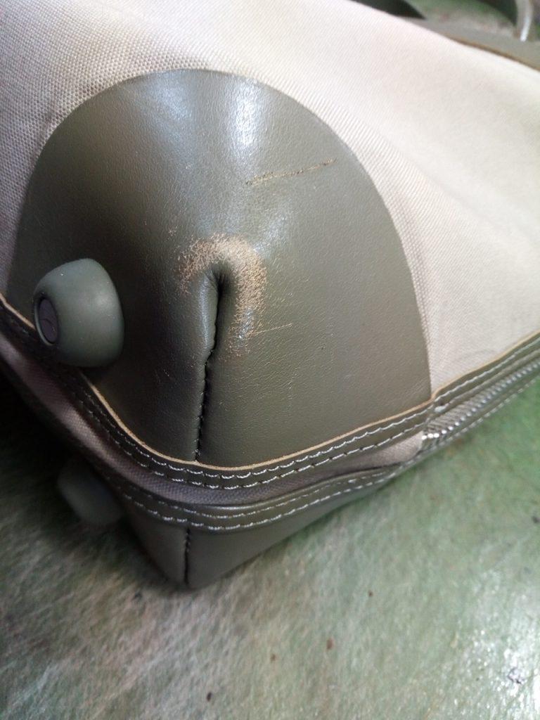 カンペールのバッグのキズ補修のカバン修理