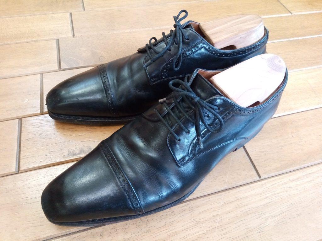 カルミナの外羽根ストレートチップのトップリフト交換&アッパーつま先補修の靴修理