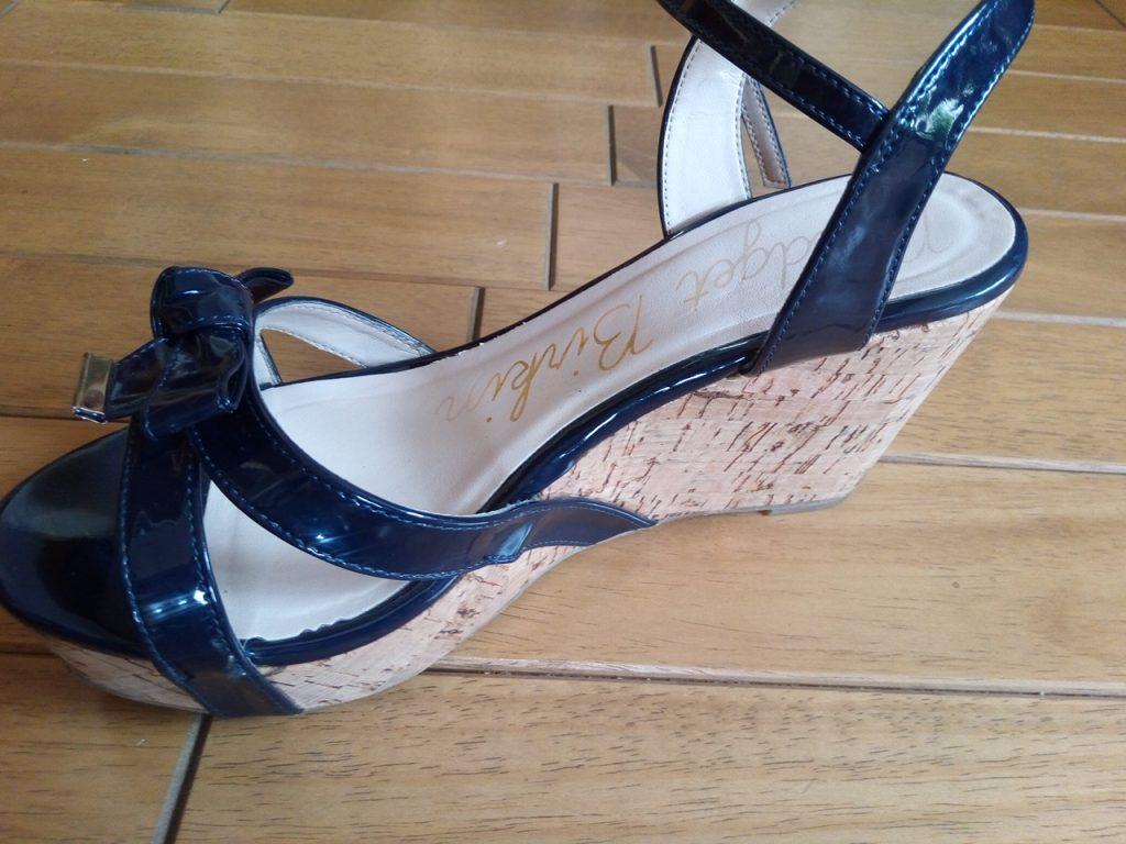 レディースサンダルのアッパーベルトはずれの靴修理
