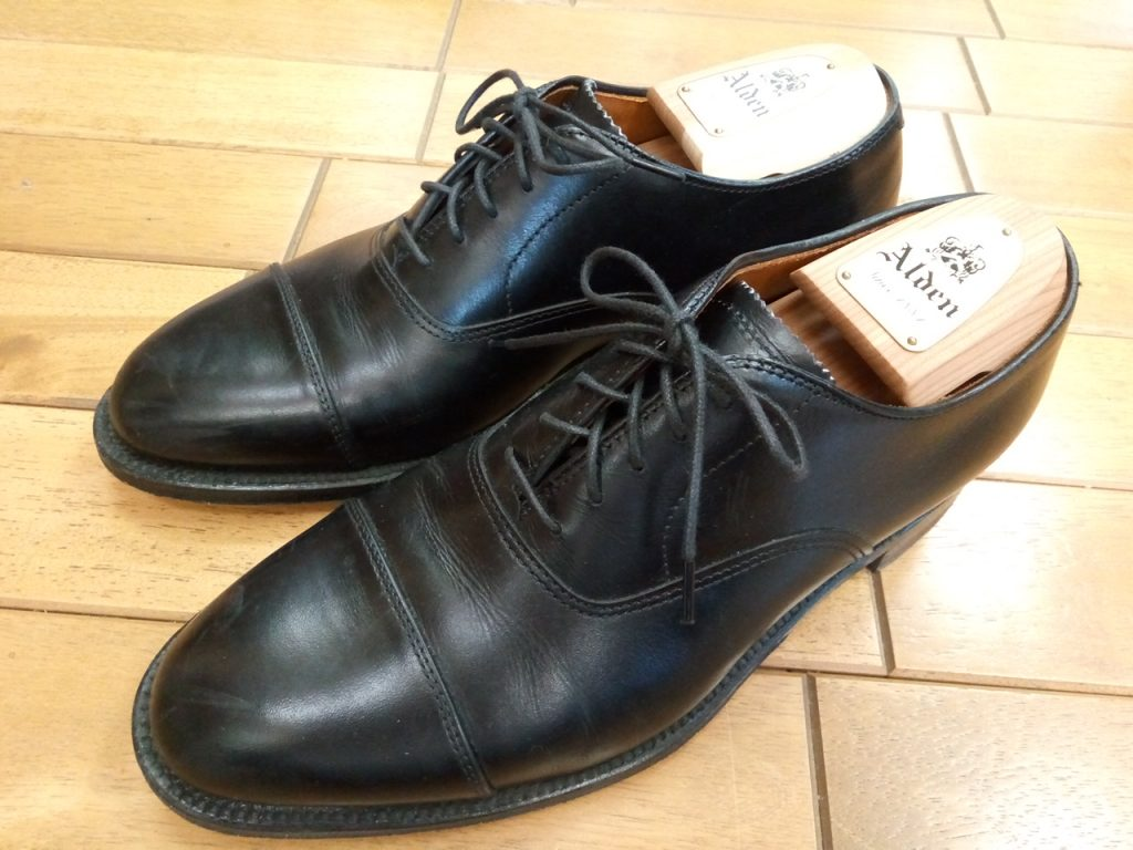 オールデンのストレートチップのトップリフト交換の靴修理