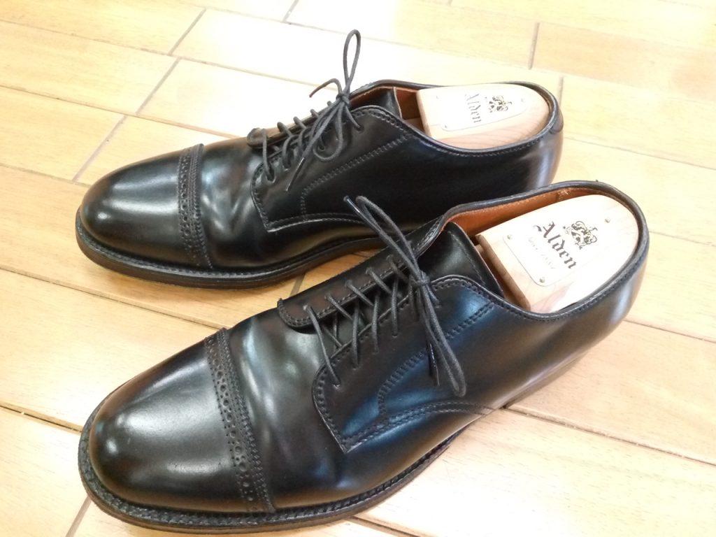 オールデンの外羽根ストレートチップのトップリフト交換の靴修理