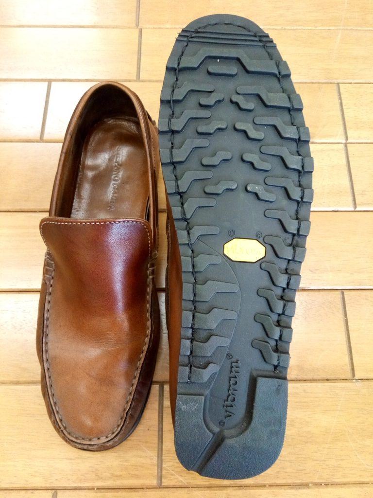 メンズドライビングシューズのオールソールの靴修理