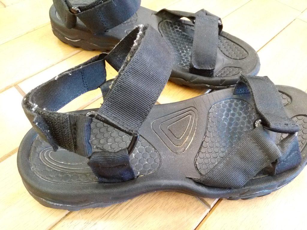 レディースサンダルのアッパー補修の靴修理