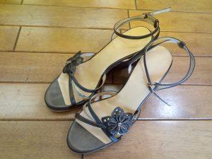 レディースのサンダルのインソール交換の靴修理