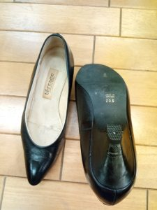 パンプスのトップリフト交換の靴修理