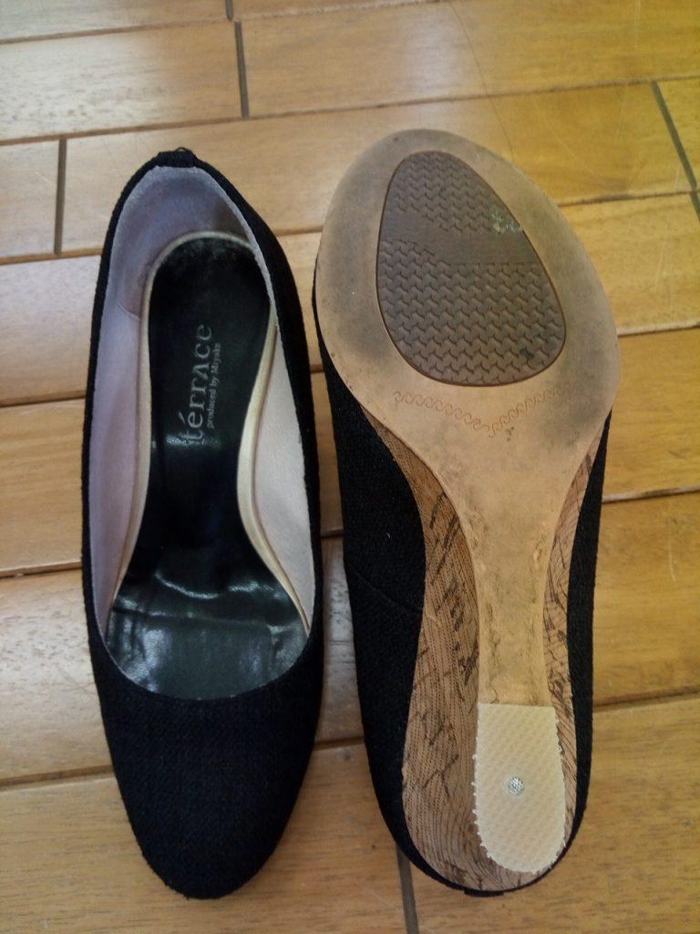 レディースのウェッジソールサンダルのヒール補修の靴修理