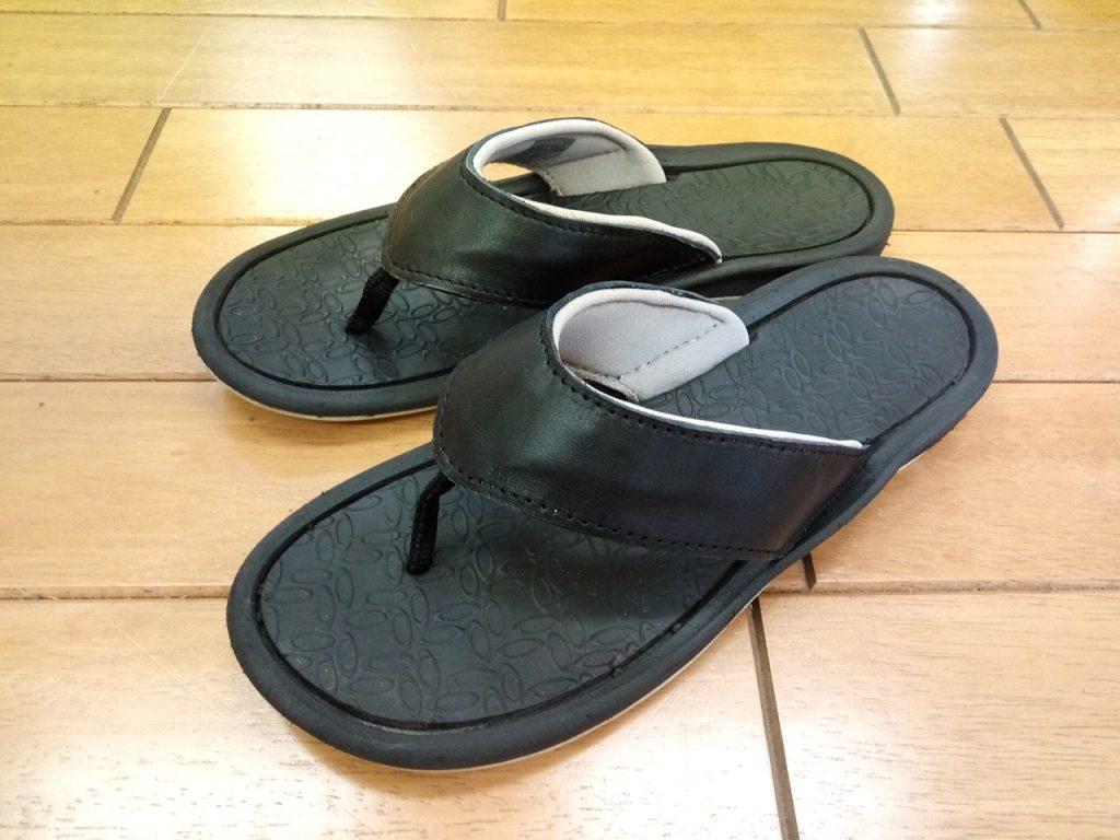 レディースのビーチサンダルのアッパー補修の靴修理