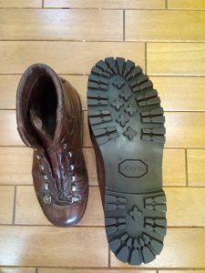 レディースの登山靴のソール張り替えの靴修理