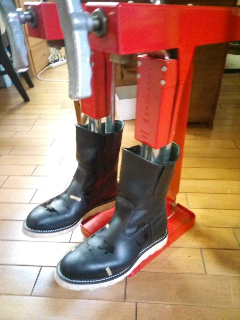 レッドウィングのブーツのストレッチの靴修理