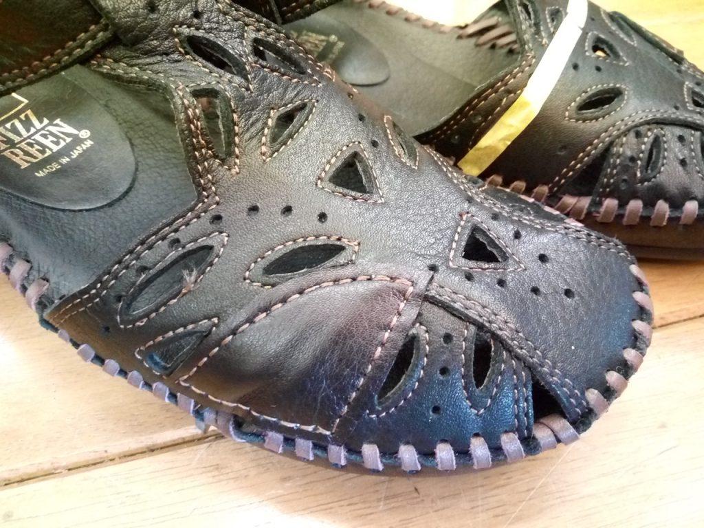 サンダルのストレッチ&アッパー補修の靴修理
