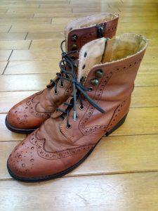 レディースブーツのトップリフト交換&アッパーの色補修の靴修理