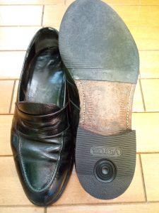 メンズ・ローファーのトップリフト交換の靴修理