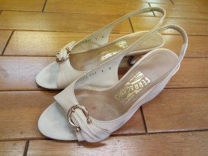 フェラガモのサンダルのヒールの革巻き交換&インソール交換&ゴム半張りの靴修理