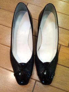 ヨシノヤのパンプスのヒール革巻き交換&インソール交換の靴修理