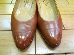 レディース・リーガルのパンプスのトップリフト交換&アッパー補修の靴修理