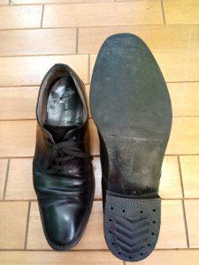 メンズシューズのトップリフト交換の靴修理