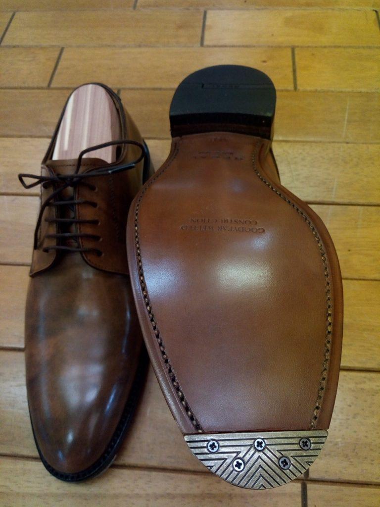 リーガルのアンティーク・トゥスチールの取り付けの靴修理