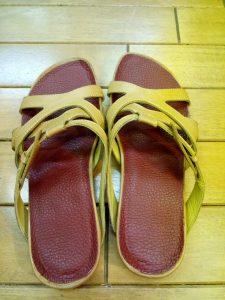 レディース・リーガルのサンダルのインソール交換の靴修理
