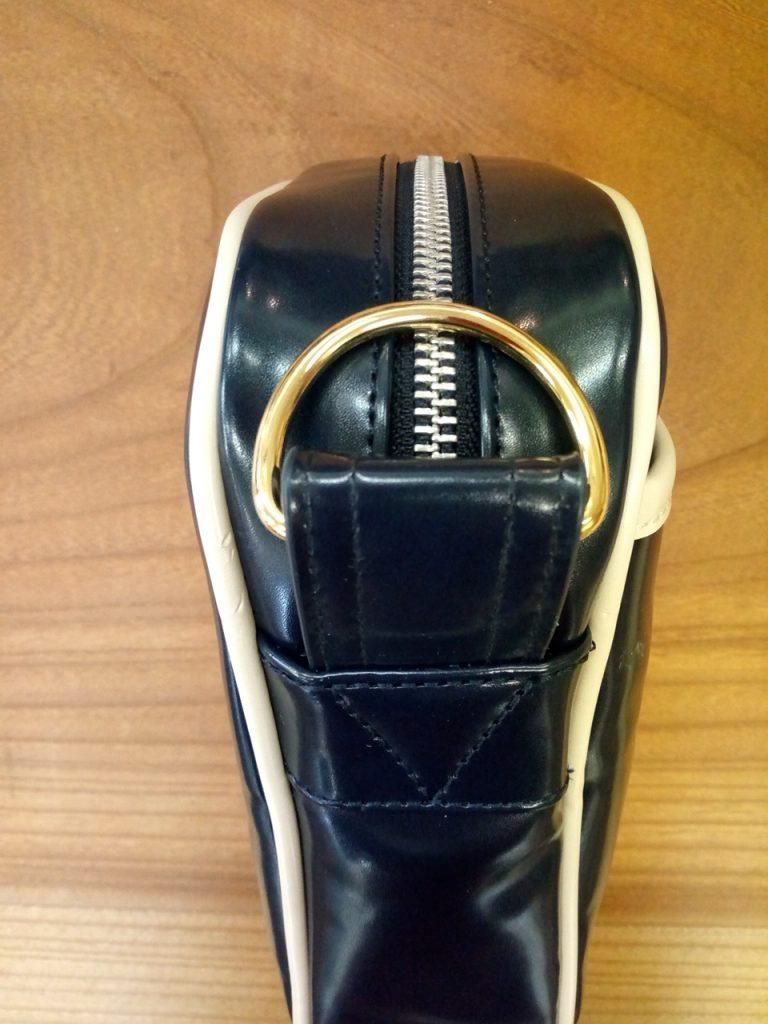 ネイビーのバッグの金具取付交換の鞄修理
