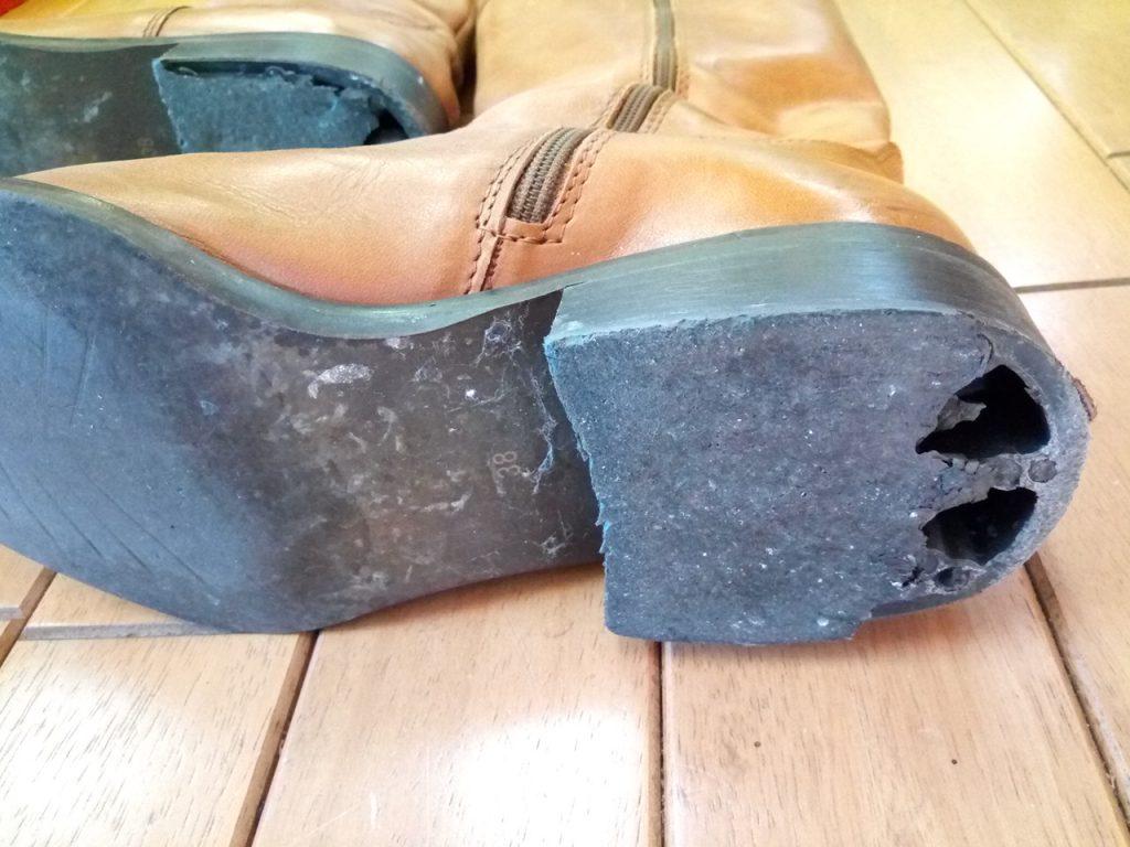レディースのロングブーツのトップリフト交換の靴修理