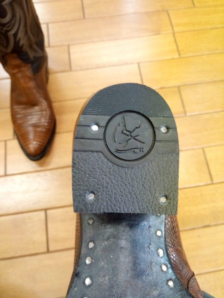 ウェスタンブーツのトップリフト交換&ストレッチ&アッパー手入れの靴修理