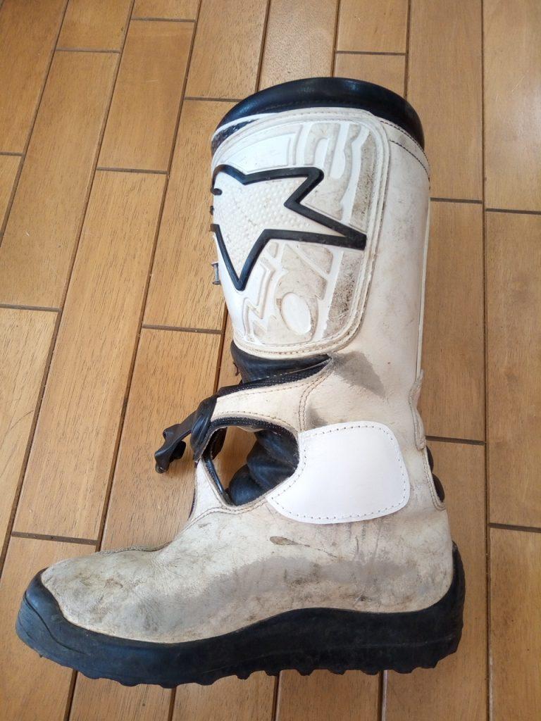 アルパインスターズのオフロードバイク用ブーツの補修