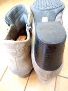 レディース・ブーツの革巻きヒールの補修の靴修理