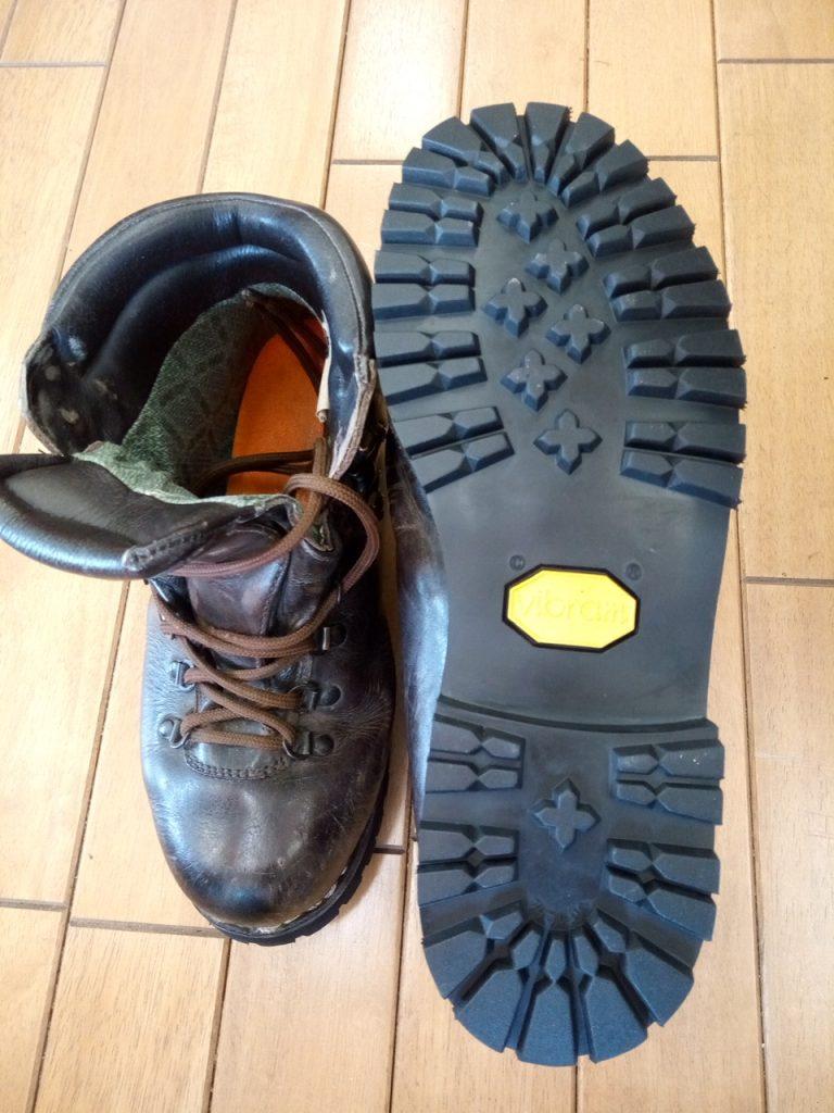 メンズ登山靴のオールソールの靴修理