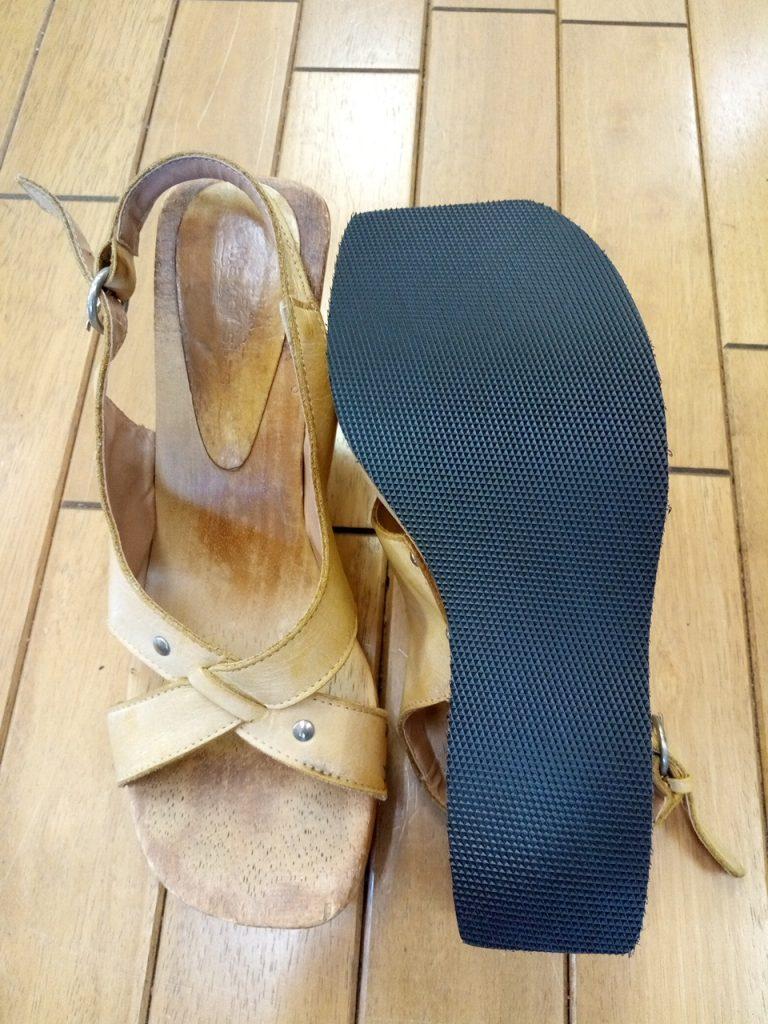 レディース・サンダルのソール張り替えの靴修理