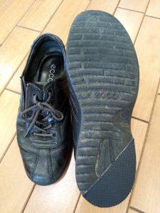 レディース・eccoのスニーカーのソール部分補修の靴修理