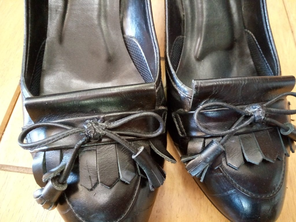 パンプスのピンヒール交換&アッパー補修の靴修理