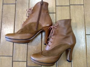 ハイヒールブーツのベロ留め補修の靴修理